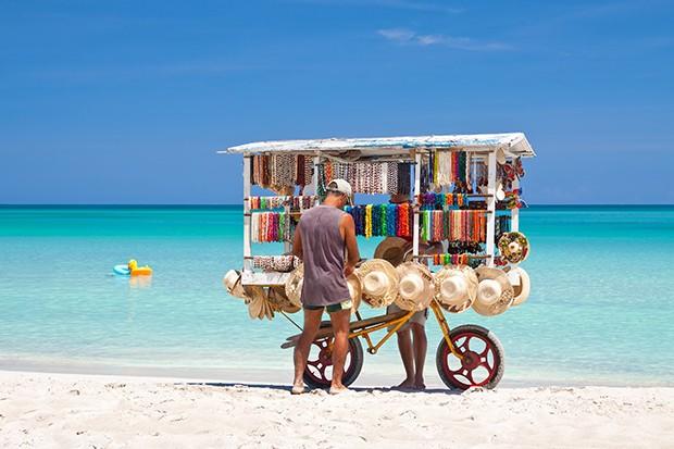 Etonnant Residency In The Caribbean
